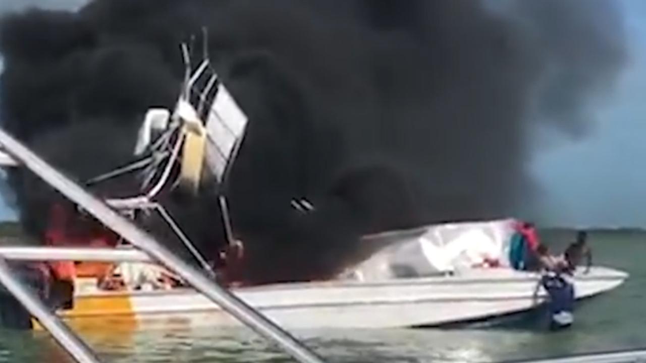 Mannen redden opvarende bij fatale bootbrand Bahama's