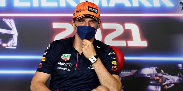 Verstappen spoort FIA aan om voorvleugel Mercedes streng te controleren