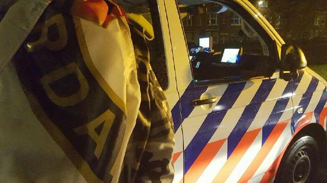 Agenten betrappen Rotterdammer op stelen Feyenoord-vlag