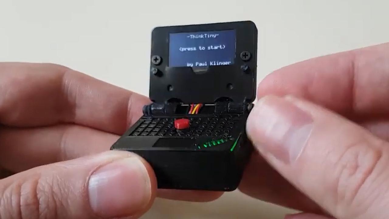 Man bouwt kleinste laptop ooit voor spelen van Snake