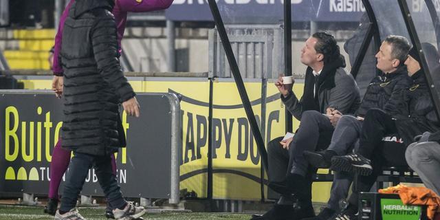 NAC-coach Vreven drie duels geschorst voor wangedrag tegen Feyenoord