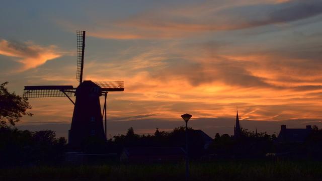 Tropennacht in Nederland, NS waarschuwt voor 'hinderlijke' ochtendspits