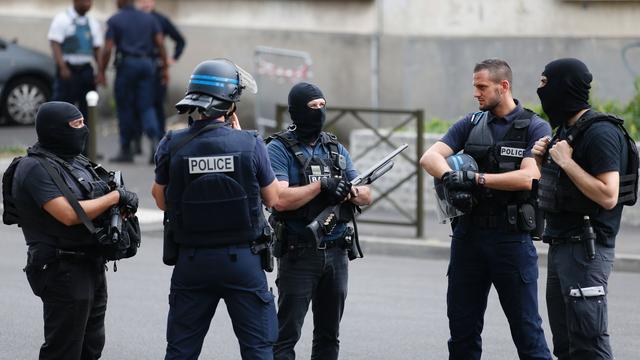 Frankrijk pakt tien terreurverdachten op tijdens grote politie-actie