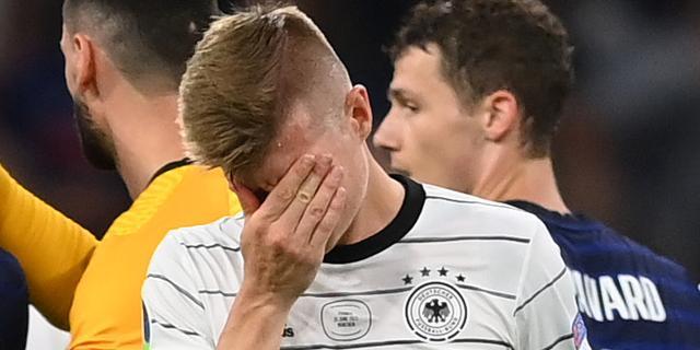 Crowdfunding voor huilende jonge Duitse voetbalfan brengt 38.000 euro op