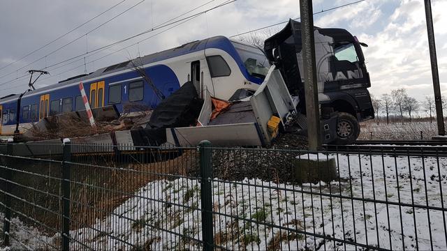 Woensdag geen treinen tussen Breda en Den Bosch na ongeluk vrachtauto.