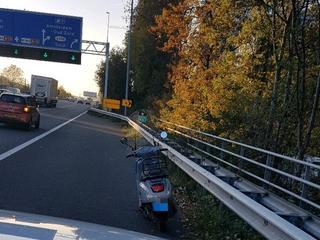 Man strandde met zijn scooter ter hoogte van afrit Zuid