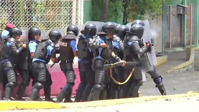 Hevige rellen in Nicaragua na pensioenhervorming