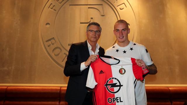 Karsdorp verlengt contract bij Feyenoord tot medio 2021