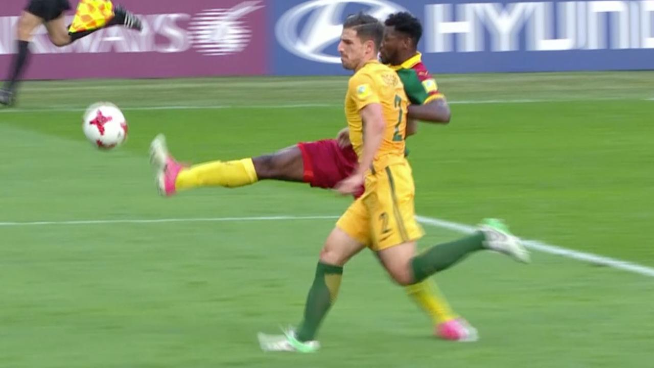 Kameroen en Australië delen de punten op Confederations Cup (1-1)
