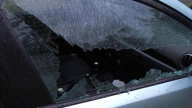 Tientallen autoruiten vernield in verschillende wijken van Etten-Leur