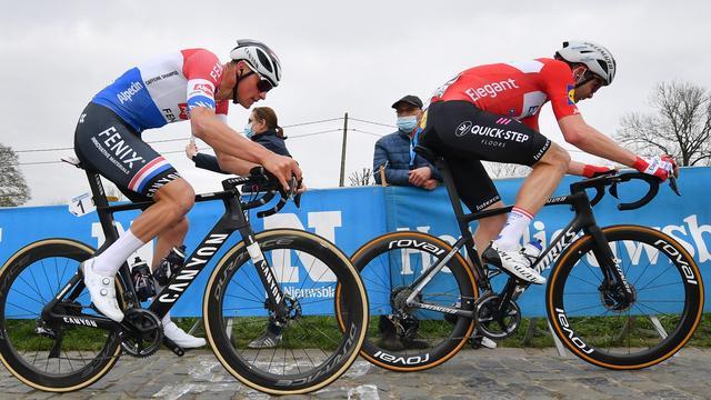 Mathieu van der Poel (links) moest zijn meerdere erkennen in Kasper Asgreen.
