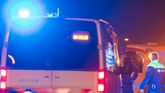 Gewonde bij botsing twee auto's op Dominee Theodor Fliednerstraat