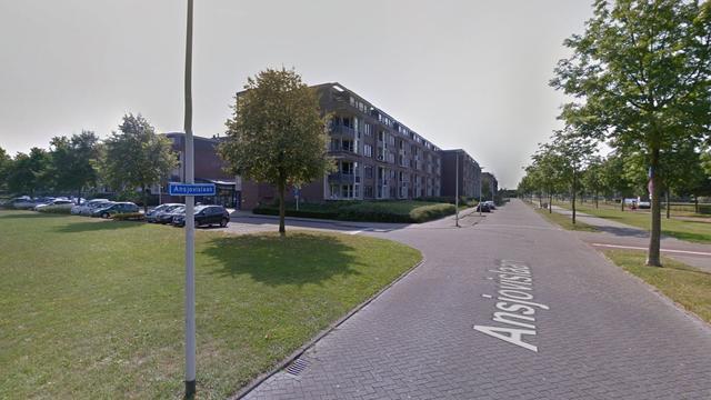 Vrouw (63) steekt tuinmeubel in brand op Ansjovislaan in Bergen op Zoom