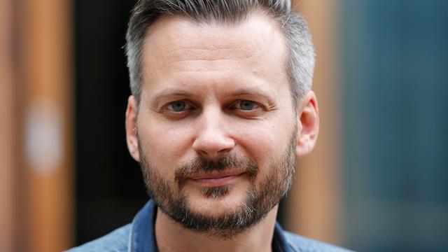 Thomas Erdbrink nieuwe presentator Zomergasten