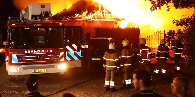 Brandweer rukt opnieuw uit voor een autobrand in Haarlem