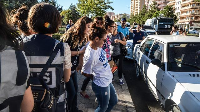 Juridisch experts: zuiveringen Turkije ongrondwettelijk