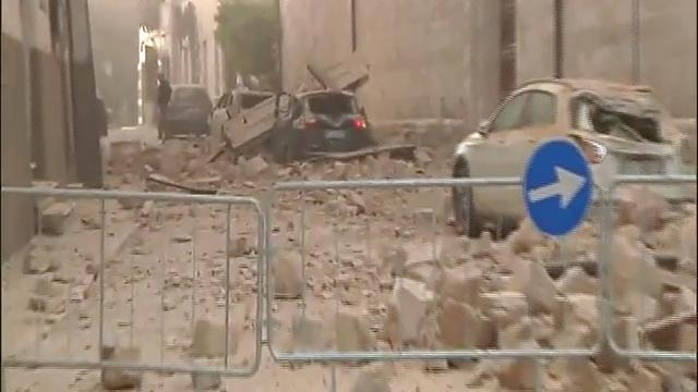 101-jarige Italiaanse vrouw verlaat geboortedorp voor het eerst na beving