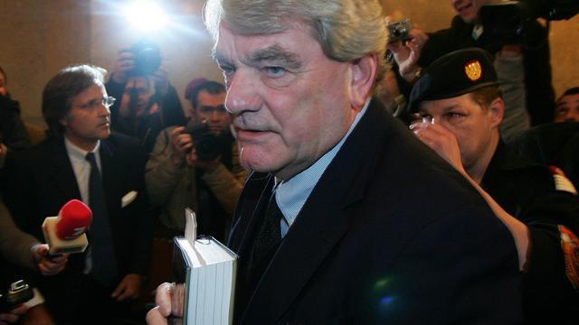 Haags hotel weert antisemitische schrijver David Irving