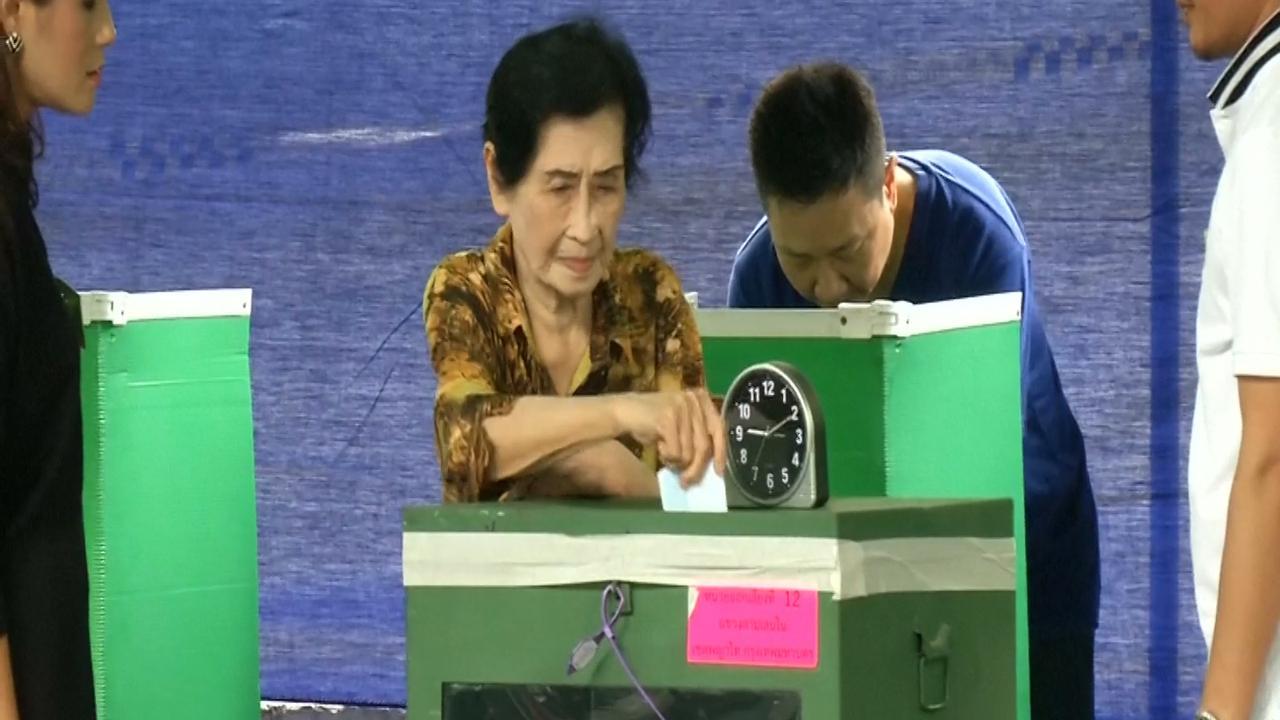 Thaise bevolking stemt in referendum voor nieuwe grondwet