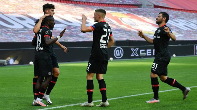 Leverkusen door naar kwartfinales EL, marathonseizoen 'Wolves' duurt voort