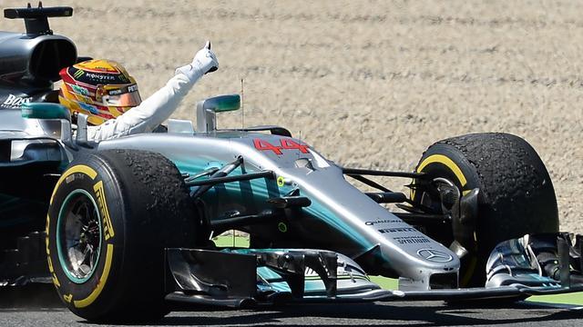 Hamilton dit jaar zonder drinkfles in auto om gewicht te besparen