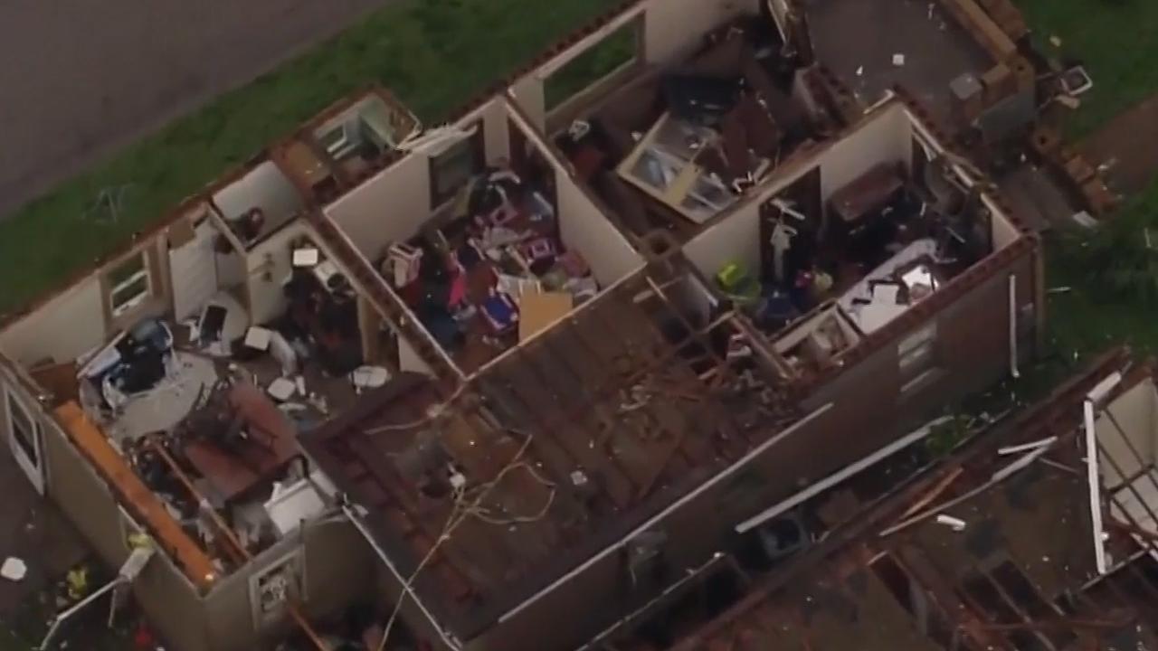 Dodelijke tornado laat spoor van schade achter in Missouri