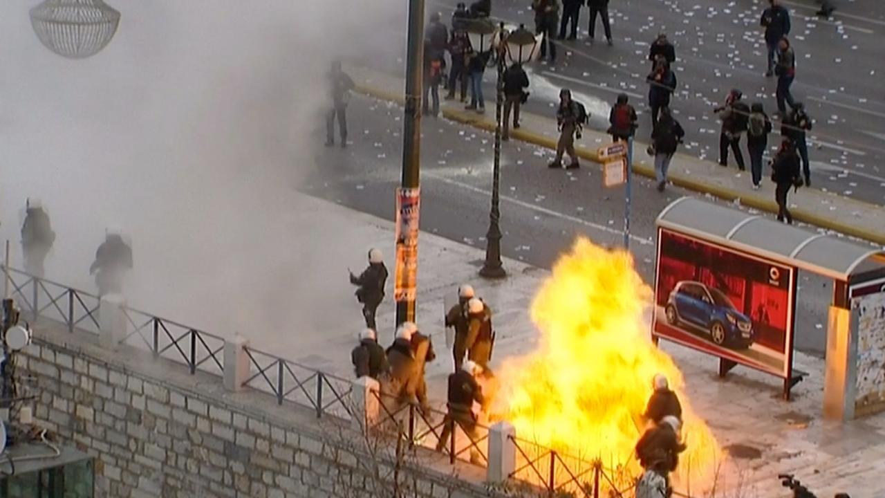 Rellen breken uit in Athene