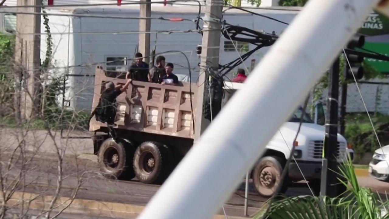 Kartel bevrijdt zoon drugsbaas 'El Chapo' met zwaar geschut