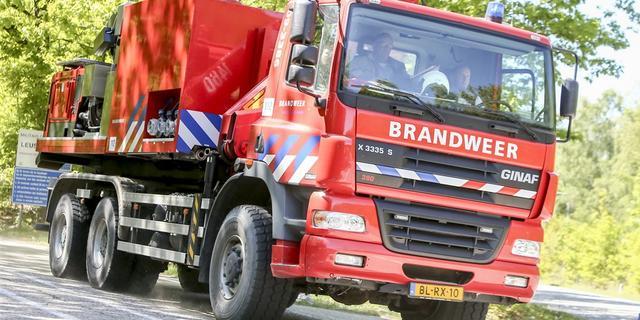 Brandweer rukt uit voor natuurbrand op militair oefenterrein in Leusden