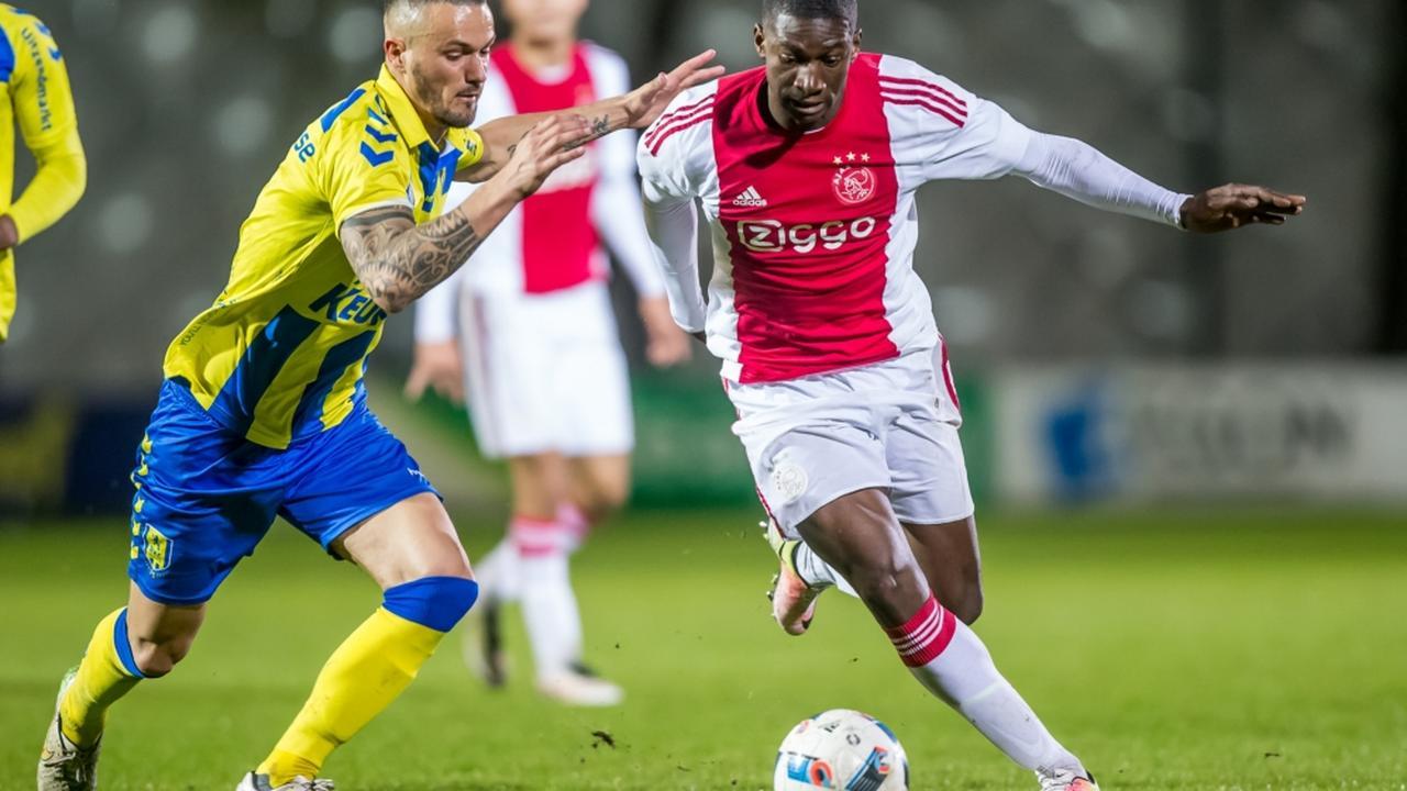 Bekijk de samenvatting van Jong Ajax-RKC Waalwijk