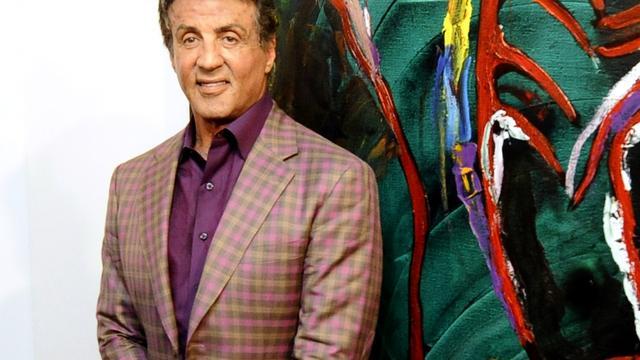 Sylvester Stallone opent zijn kunstexpositie