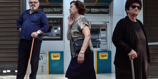 Griekse bankrestricties blijven van kracht
