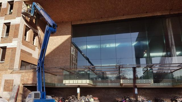 NS hangt opvangnetten op tegen vallende stenen station Breda