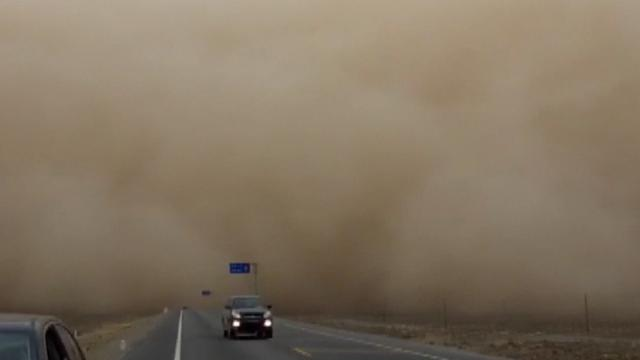 Zandstorm teistert Chinese provincie Gansu