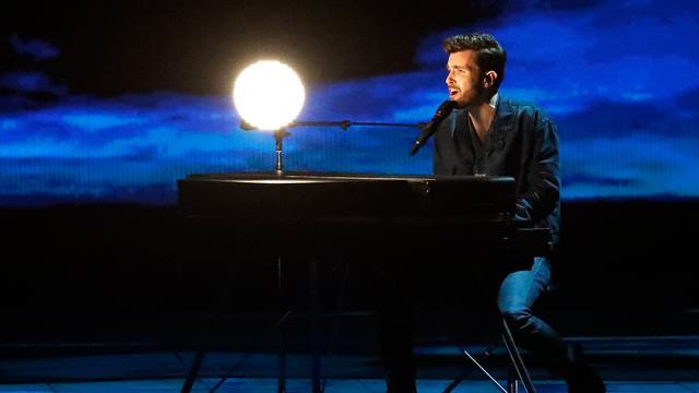 Reacties na optreden Laurence: 'Een van de mooiste versies van liedje'