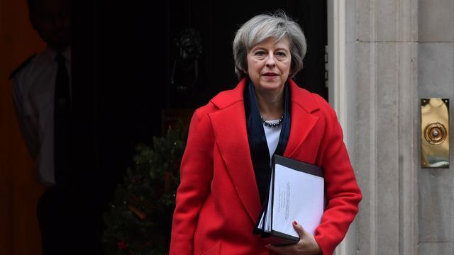 May wil dat VS en Verenigd Koninkrijk handen ineen slaan