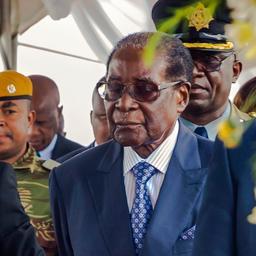 Regeringspartij Zimbabwe roept op tot aftreden president Mugabe