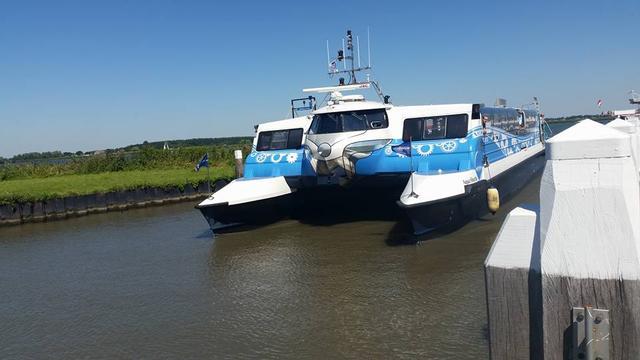 Waterbus in Willemstad krijgt permanente aanlegsteiger