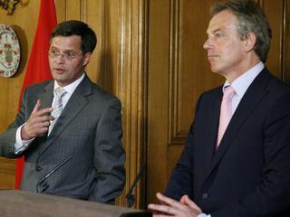 Gesprek met Blair niet vermeld in rapport commissie-Davids