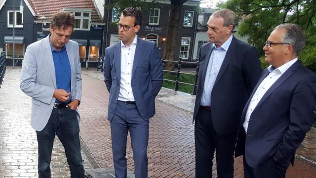 Vertrekkend burgemeester René Verhulst krijgt gedenksteen als afscheid