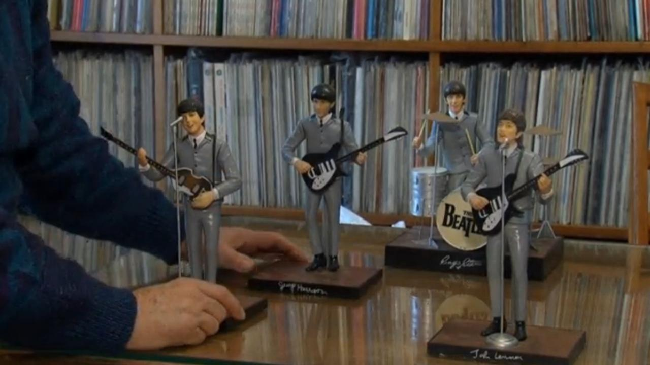 Beatles-fan veilt grote collectie items in Parijs