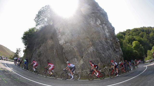 Liveblog Vuelta: Kelderman behoudt derde plek in klassement (gesloten)