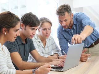 Veel leerlingen ontevreden over digitale vaardigheden leraren