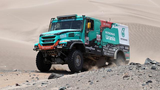 De Rooy nog altijd derde in Dakar Rally, Ten Brinke moet opgeven