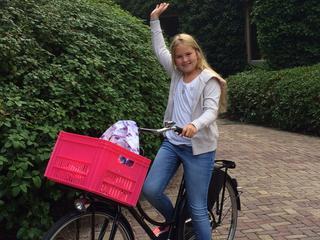 11-jarige op de fiets naar middelbare school