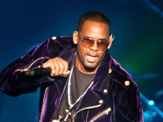 Children R  Kelly have not had contact with their father for
