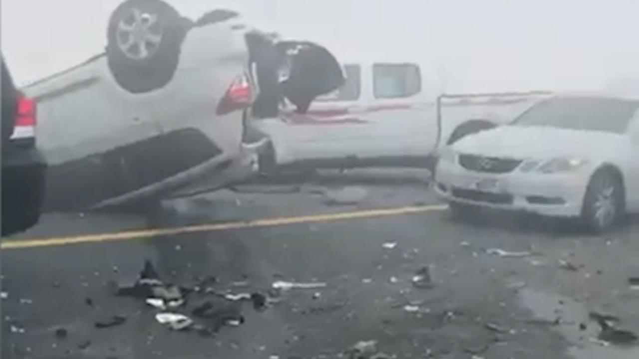 Enorme ravage na kettingbotsing met 44 voertuigen in Dubai