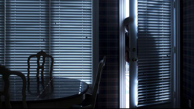 Zes aanhoudingen na Haagse woninginbraken, jongste dader is veertien