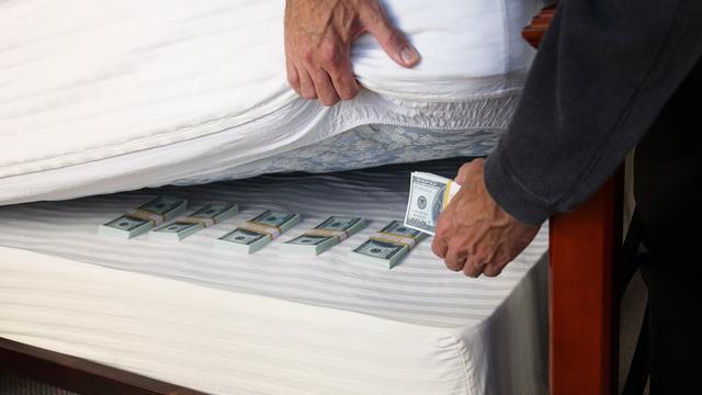 'Vlucht naar cash wijst op meer grote beursdalingen'