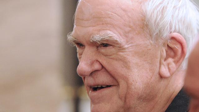 Schrijver Milan Kundera krijgt Tsjechische nationaliteit na decennia terug